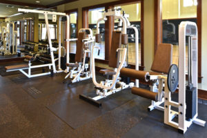Fitness center with weightlifting machines